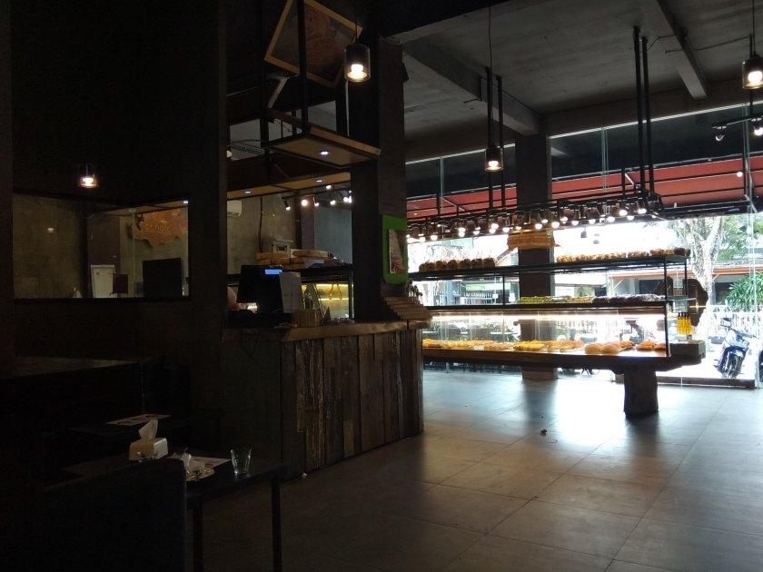 Cafe di Bali - Conato Bakery Denpasar 2